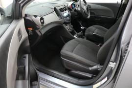 2012 Holden Barina TM TM Hatchback Image 5