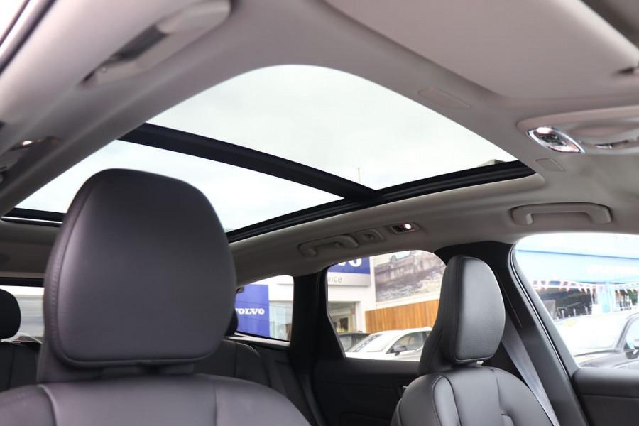 2020 Volvo XC60 UZ T5 Momentum Suv Mobile Image 3