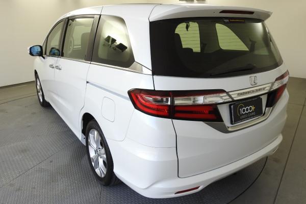 2014 Honda Odyssey 5th Gen VTi Wagon Image 4