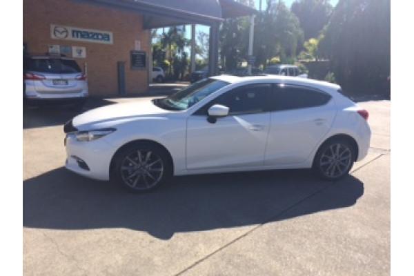 2017 Mazda 3 BN5438 SP25 Hatchback Image 2