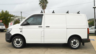 2016 MY17 Volkswagen Transporter T6 MY17 TDI400 SWB DSG Van Image 4