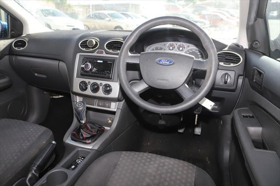2007 Ford Focus LT CL Sedan Image 10