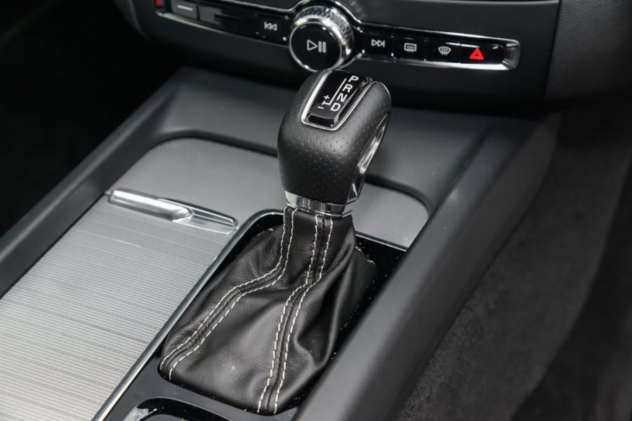 2018 MY19 Volvo XC60 UZ D5 R-Design Suv Mobile Image 13