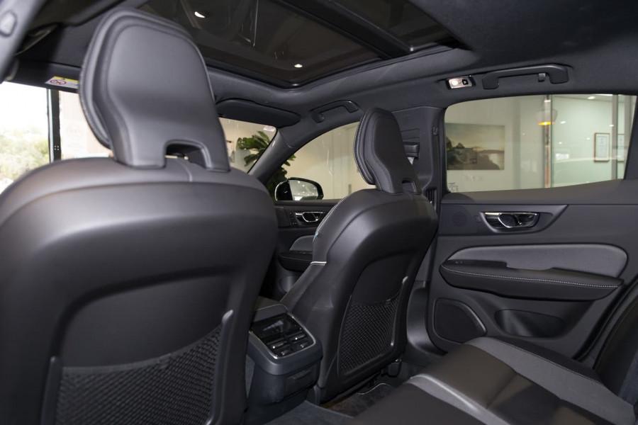 2020 Volvo S60 Z Series T5 R-Design Sedan Image 16