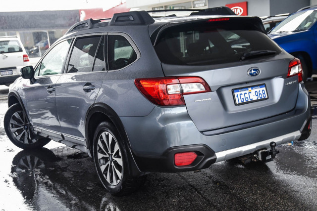 2017 Subaru Outback 2.5i - Premium
