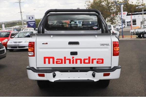 2020 Mahindra Pik-Up S10+ Black Edition Utility Image 3