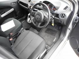 2013 Mazda 2 DE Series 2 MY13 Neo Hatchback