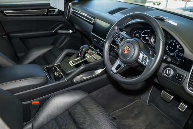 2018 Porsche Cayenne 9YA MY19 Turbo Suv Image 6