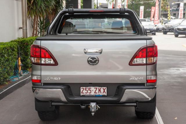 2019 Mazda BT-50 UR 4x4 3.2L Dual Cab Pickup XTR Cab chassis Image 4