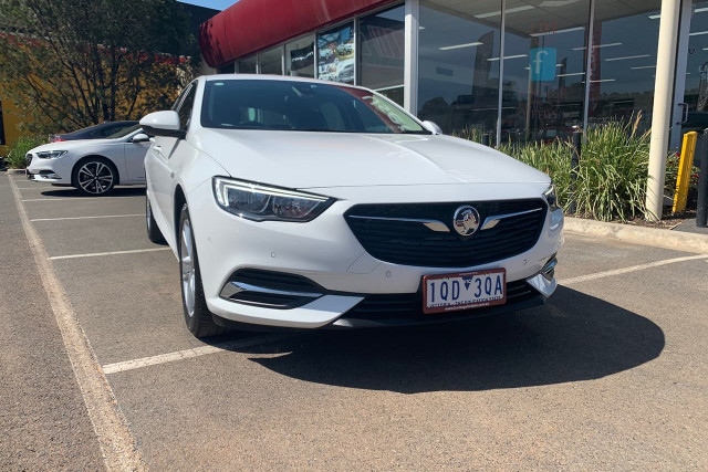 2018 Holden Commodore LT 2 of 19