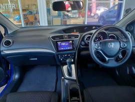 2015 Honda Civic 9th Gen Series II VTi-S Hatchback image 12