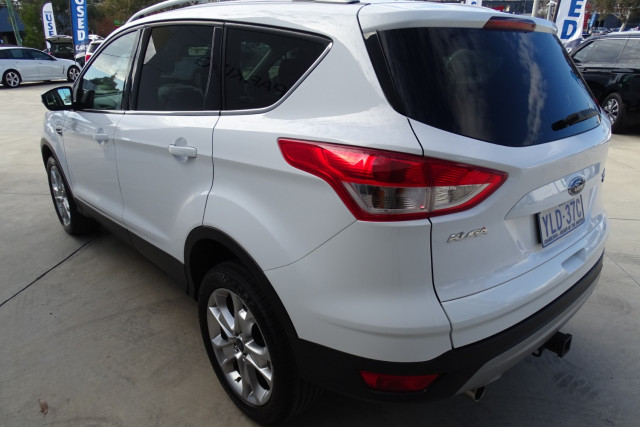 2015 Ford Kuga Trend AWD 9 of 23