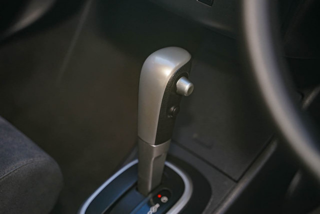 2011 Nissan Tiida C11 S3 ST Hatchback Image 5