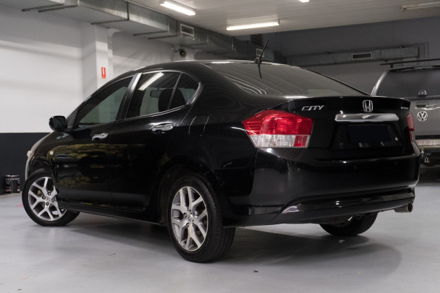 2010 Honda City GM  VTi-L Sedan Image 2