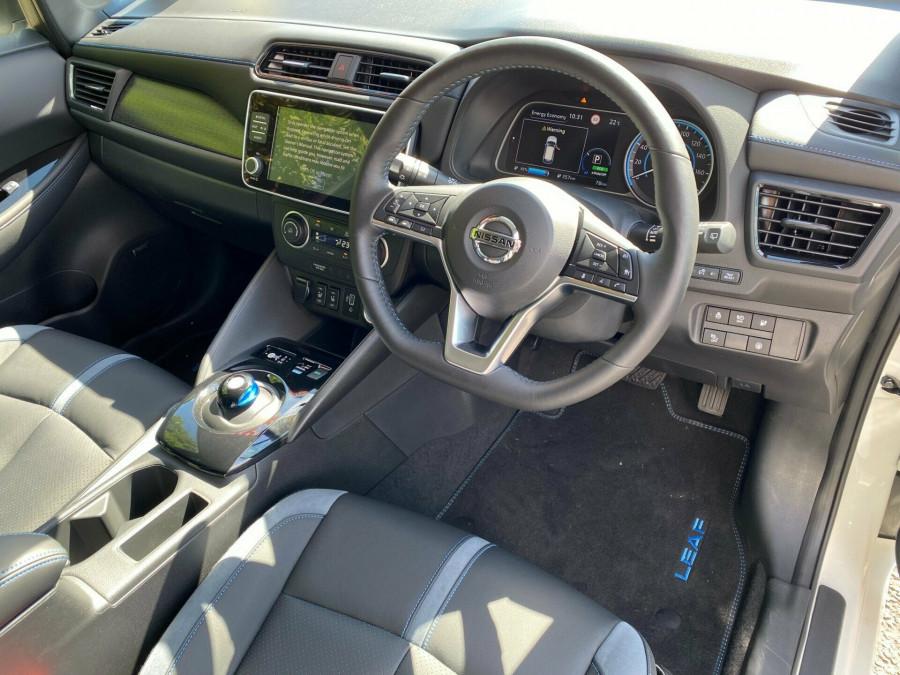 2021 Nissan LEAF ZE1 E Plus Hatchback Image 6