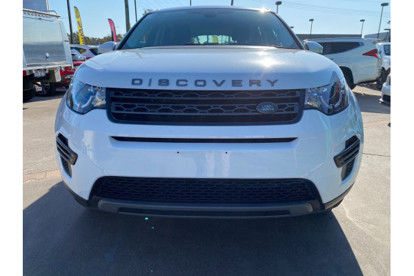 2017 Land Rover Discovery Sport L550  TD4 180 SE Suv Image 2