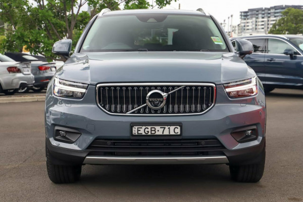2020 Volvo XC40 XZ T4 Inscription Suv Image 4