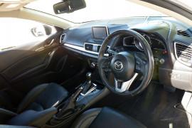 2014 Mazda 3 BM5438 SP25 Hatchback image 4