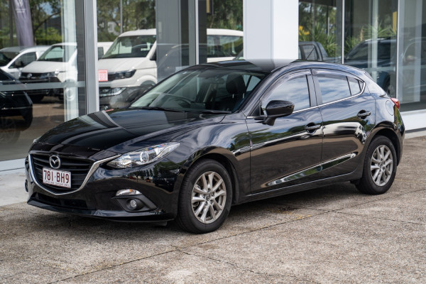 2014 Mazda 3 BM5476 Touring Hatchback Image 3