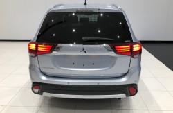 2015 Mitsubishi Outlander ZK LS 4wd wagon Image 5