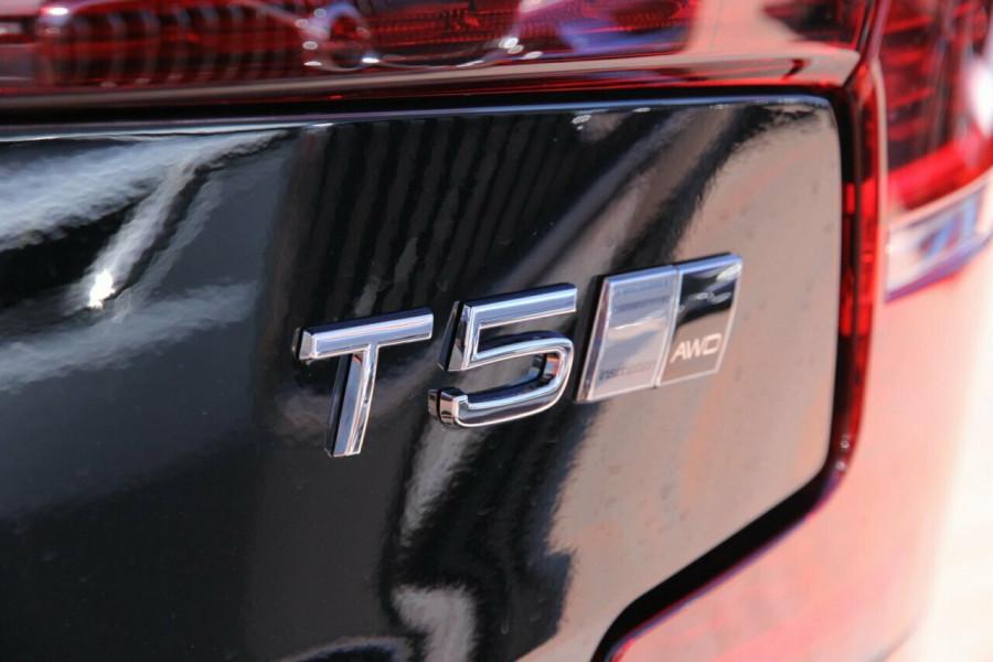 2019 MY20 Volvo S60 Z Series T5 Inscription Sedan Mobile Image 19