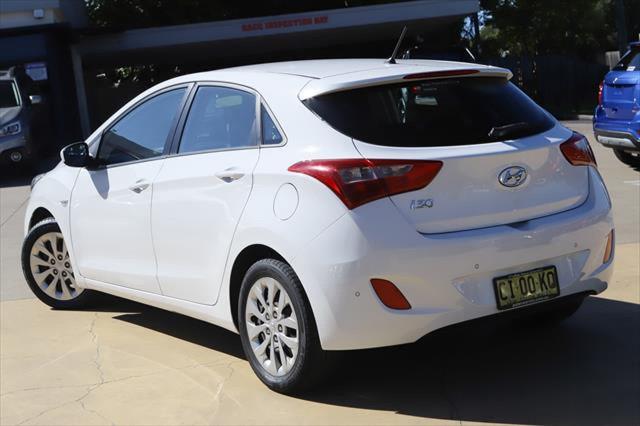 2016 Hyundai I30 GD4 Series II MY17 Active Hatchback Image 2