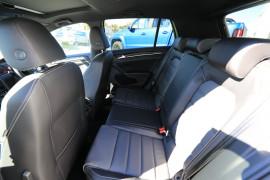 2020 Volkswagen Golf 7.5 R Final Edition Hatchback Image 5