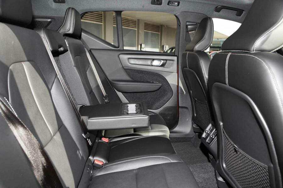 2019 Volvo XC60 UZ T6 R-Design Suv Mobile Image 9