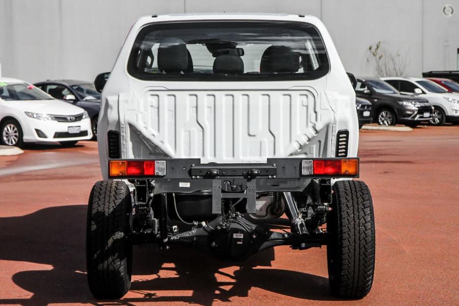 2020 Mitsubishi Triton MR GLX ADAS Double Cab Chassis 4WD Cab chassis Image 3