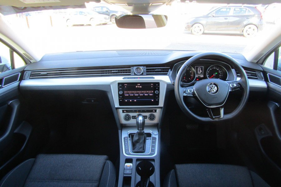 2018 MY19 Volkswagen Passat B8 132TSI Sedan Image 15