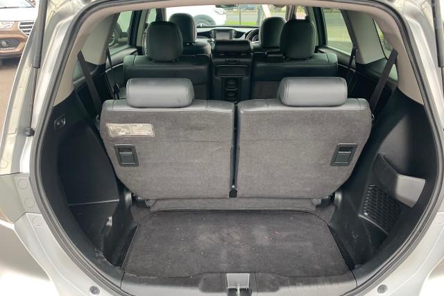 2011 Honda Odyssey Luxury 14 of 34