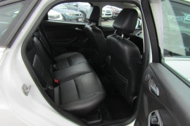 2016 Ford Focus LZ TITANIUM Sedan Image 4