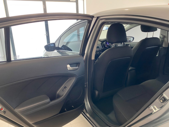 2015 Kia Cerato YD MY15 S Sedan Image 14