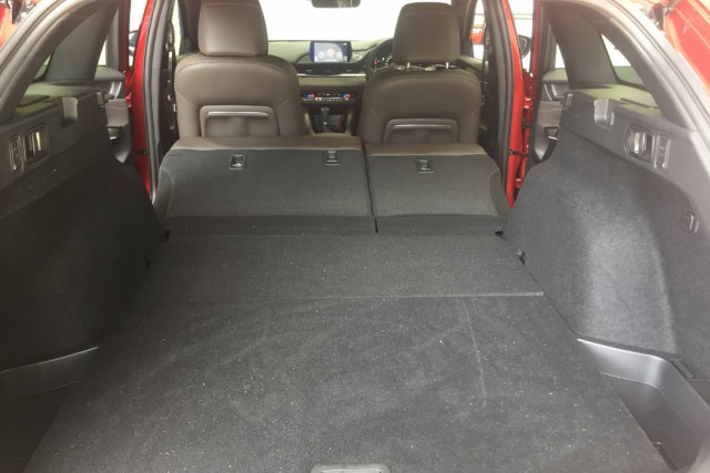 2019 Mazda 6 GL1033 Turbo Atenza Wagon Mobile Image 13