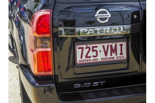 2014 Nissan Patrol Y61 ST Suv Image 3