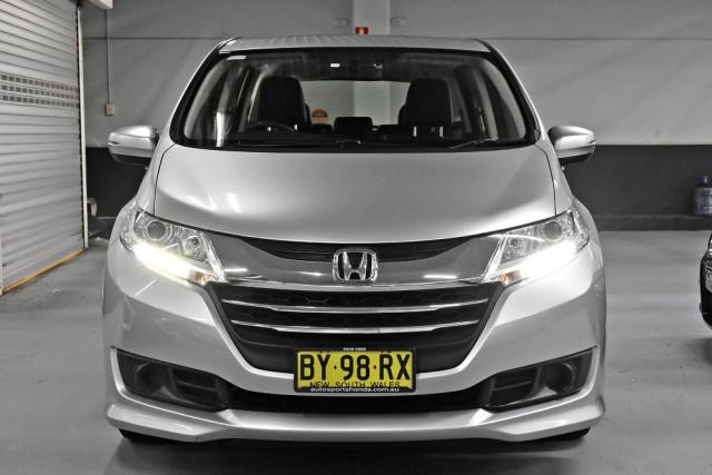 2014 Honda Odyssey 5th Gen VTi Wagon Image 3