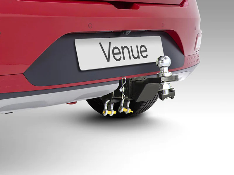 Towbar, tow ball and trailer wiring harness