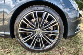 2013 MY14 Volkswagen Passat Type 3C MY14 V6 FSI Sedan Image 2