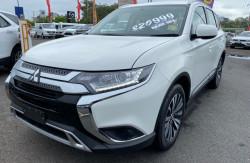 2018 Mitsubishi Outlander ZL ES 2wd wagon Image 3