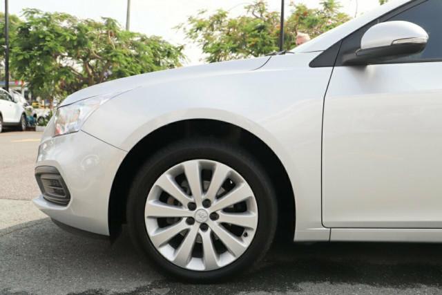 2016 Holden Cruze JH Series II MY16 Equipe Hatchback Image 5