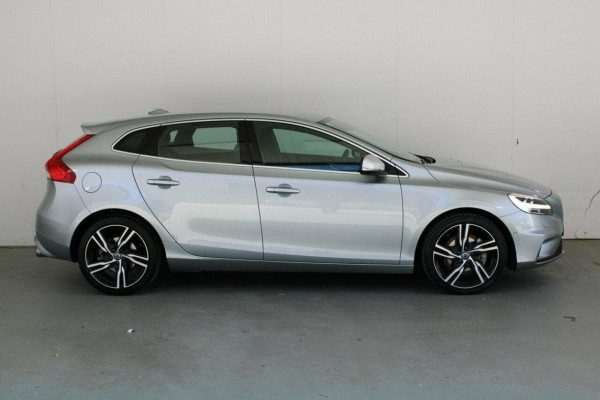2016 MY17 Volvo V40 M Series  T5 T5 - R-Design Hatchback Image 5