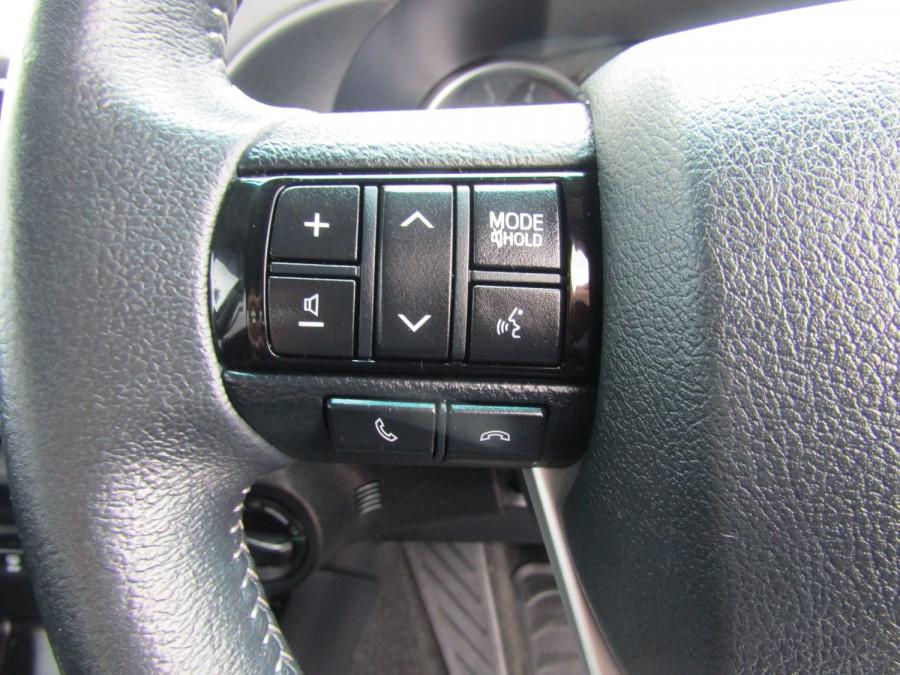 2017 Toyota HiLux GUN126R SR5 Utility Image 12