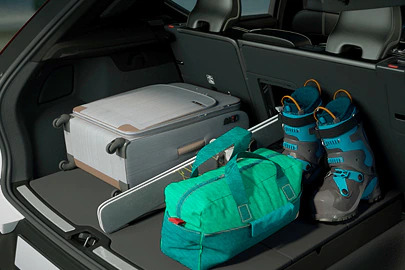 Load hatch, rear seat Image