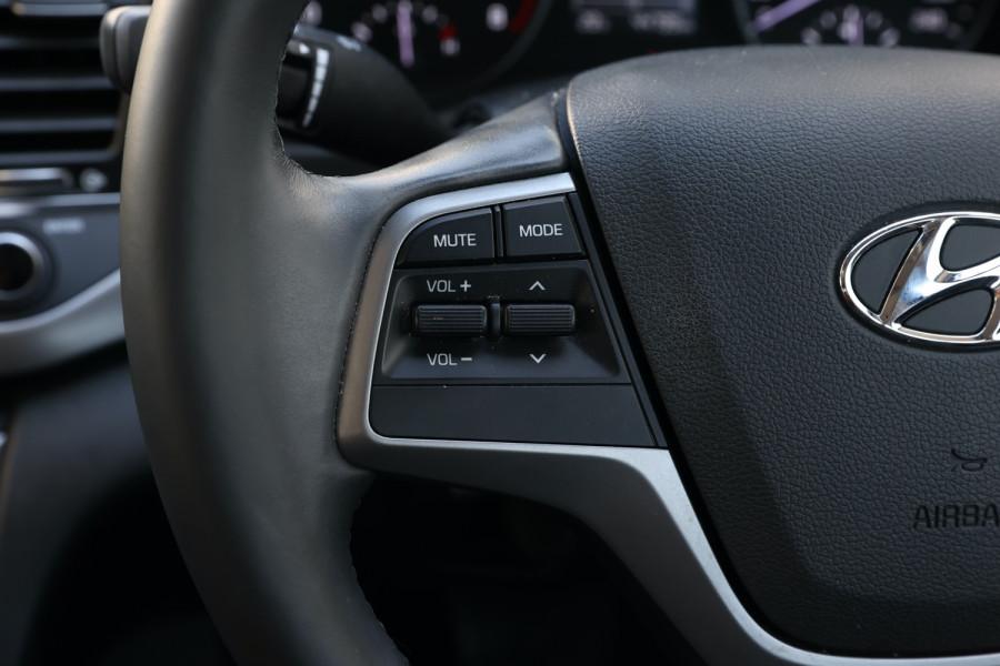 2018 Hyundai Elantra AD Trophy Sedan Image 14