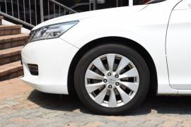 2014 Honda Accord 9th Gen VTI-S Sedan Image 5