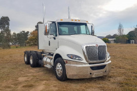 International Prostar Extendend cab
