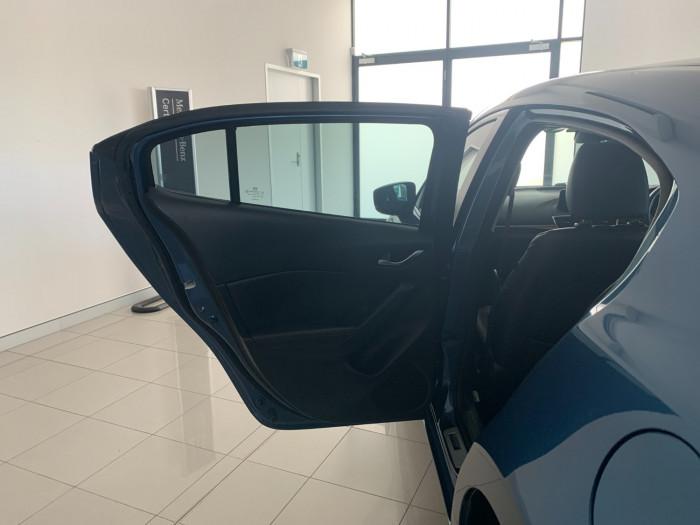 2016 Mazda 3 BM5438 SP25 Hatchback Image 6