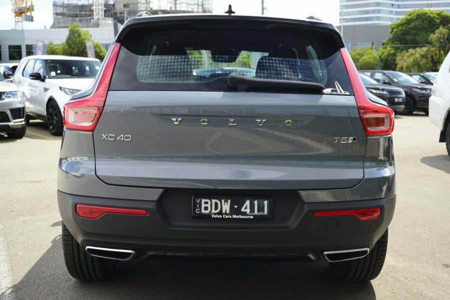 2019 Volvo XC40 XZ T5 R-Design Suv Image 18