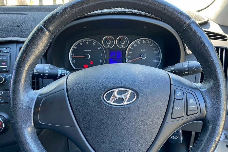 2012 MY11 Hyundai i30 FD MY11 Trophy Hatchback Image 10