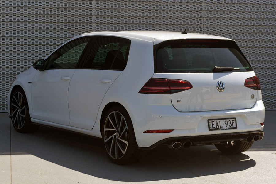 2017 Volkswagen Golf 7 R Hatchback